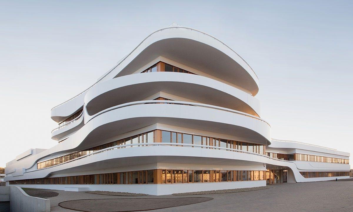 Архитектурное творчество — полукруглые линии